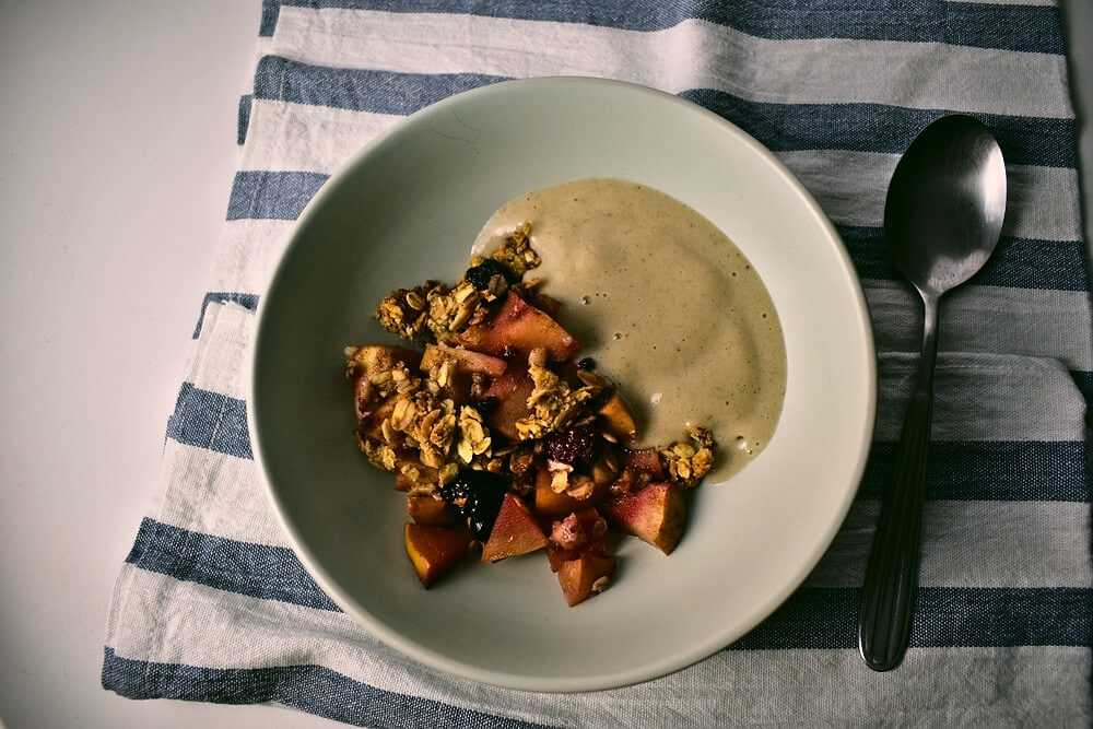Apple, Quince, and Berry Crumble [gluten-free]